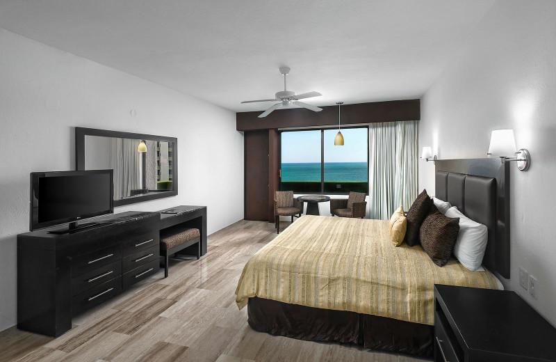Guest room at Castilla Beach Hotel.