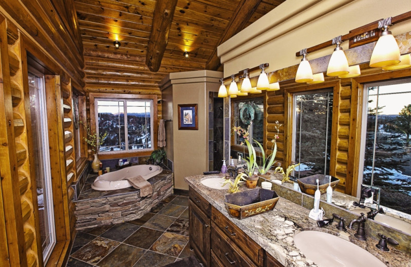 Bathroom at Bryce Canyon Estate.