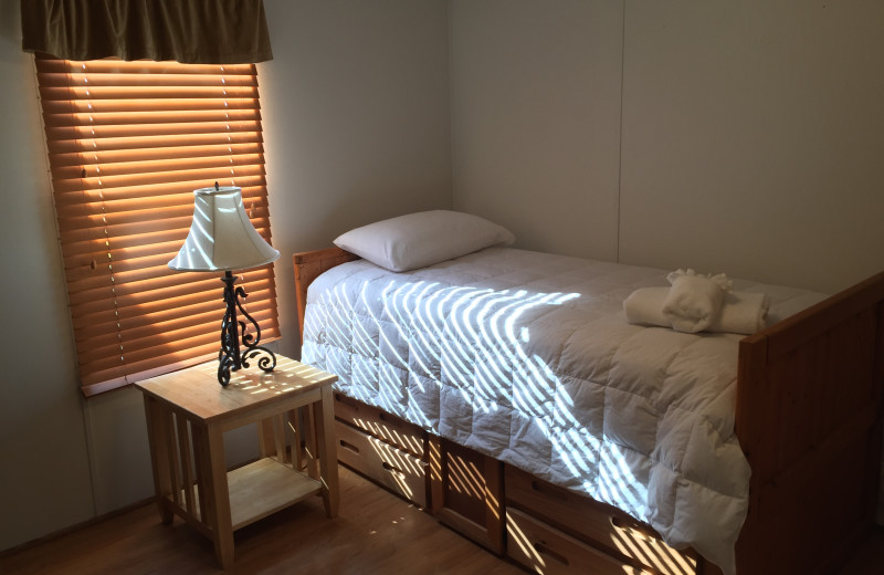 Cabin bedroom at Buckhead Ranch.