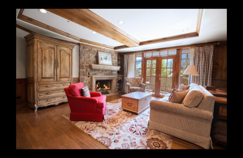 Guest living room at Chateau Beaver Creek.