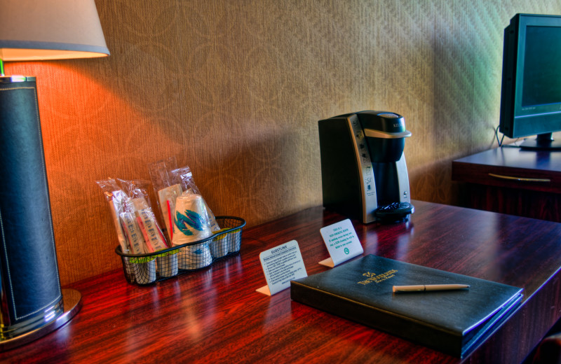 Guest amenities at Ascend Hotel Collection-The Woodlands Inn.