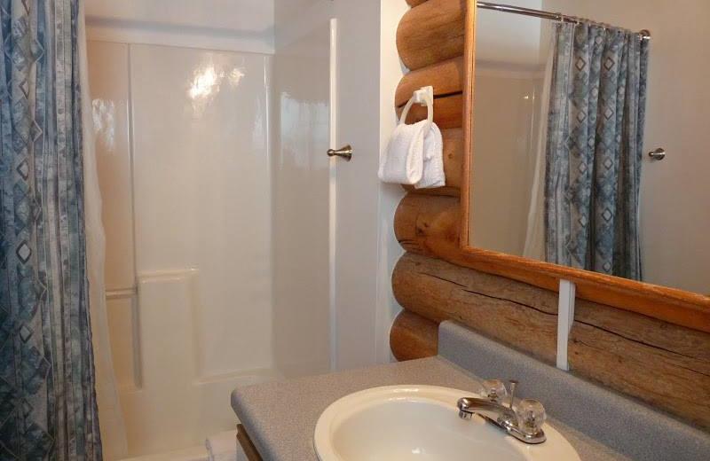 Cabin bathroom at Morris' Last Resort.