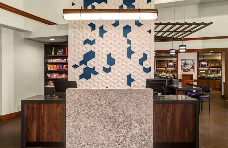 Lobby at Hyatt Place Chicago/Itasca.