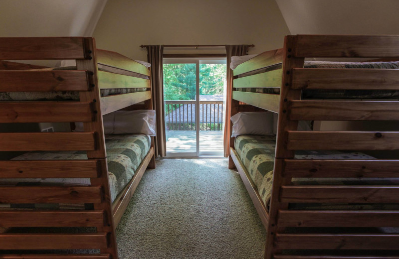 Chalet bunk beds at Old Man's Cave Chalets.