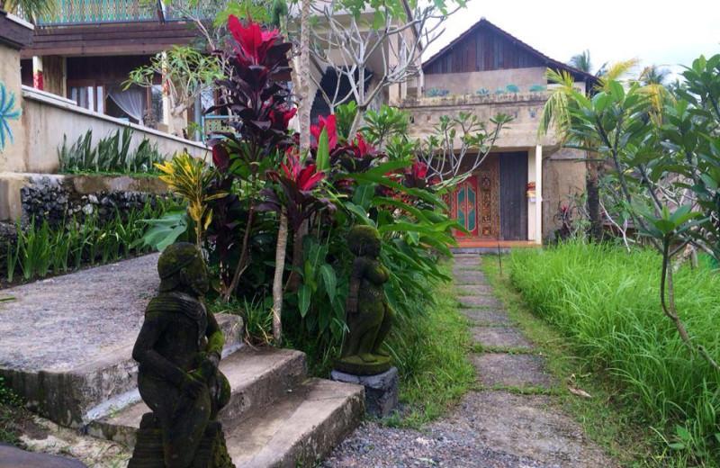 Exterior view of Ubud Sari Health Resort.