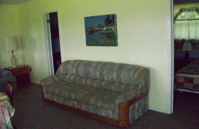 Cottage living room at Fieldstone Farm.