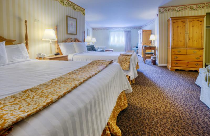 Guest bedroom at Lake Morey Resort.