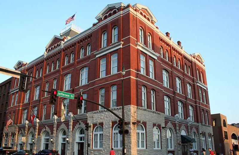 Exterior View of Hotel Indigo Savannah Historic District