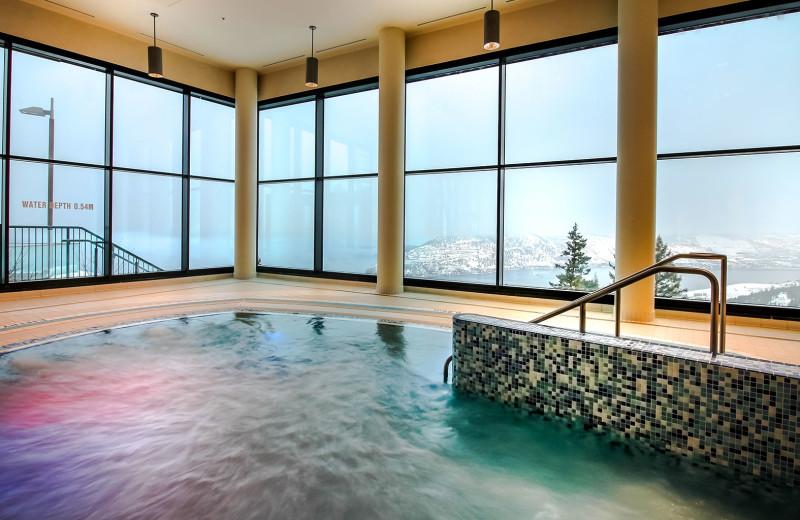 Hot tub at Sparkling Hill Resort.