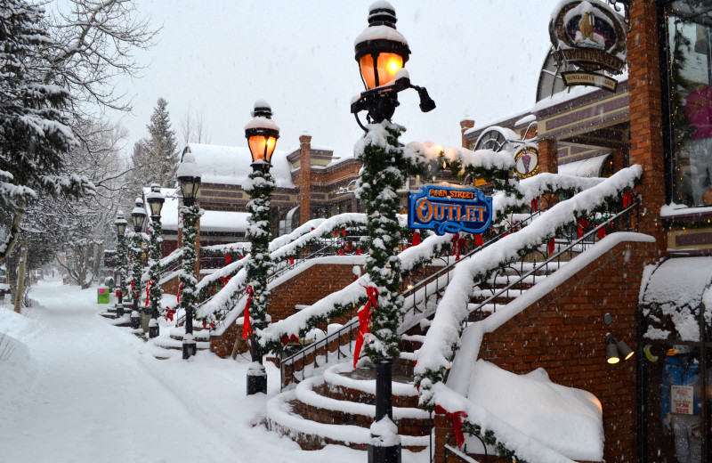 Breckenridge is a family friendly town with plenty to do from activities, festivals, shopping and dining!