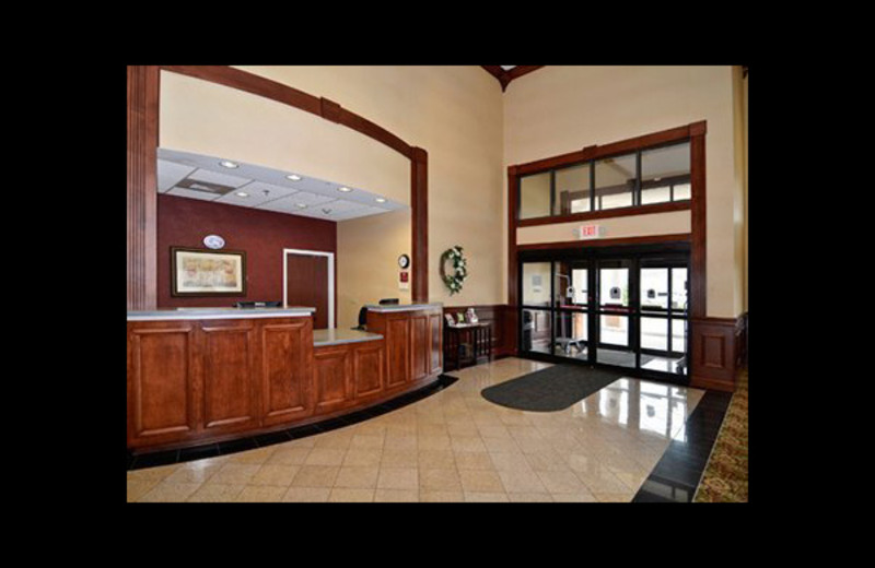 Lobby view at Comfort Suites - Twinsburg.