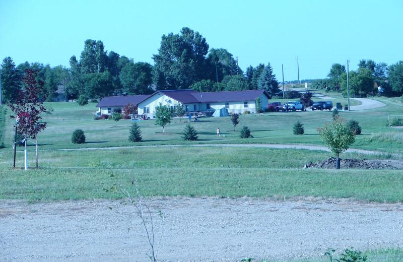 Exterior view of Elm Lake Lodge.