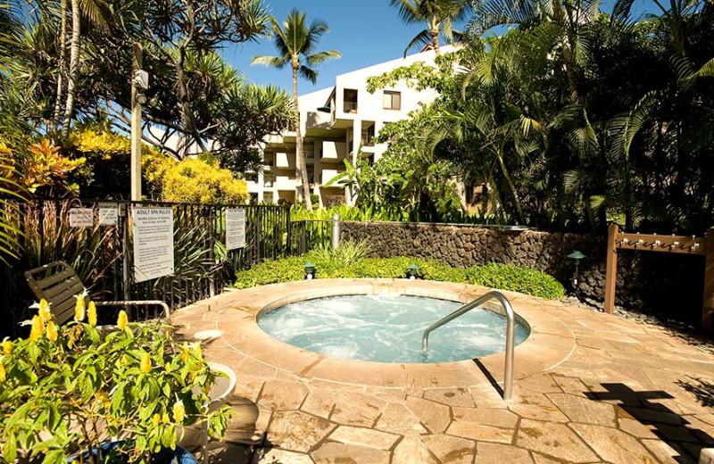Hot tub at Kamole Sands.