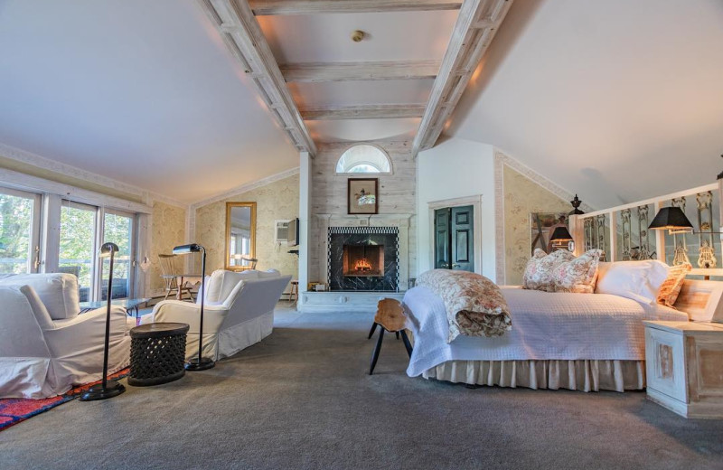 Guest room at Bridgeton House on the Delaware.