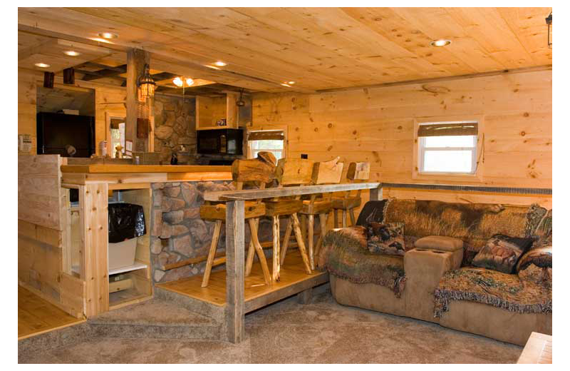 Rental interior at Cabins-4-Rent.