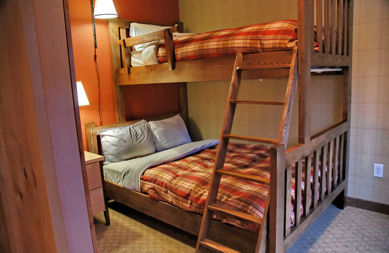 Guest bedroom at Inns of Banff.