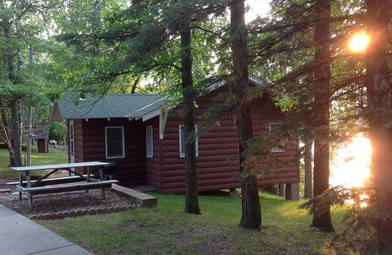 Family Cabins at Beauty Bay Lodge & Resort