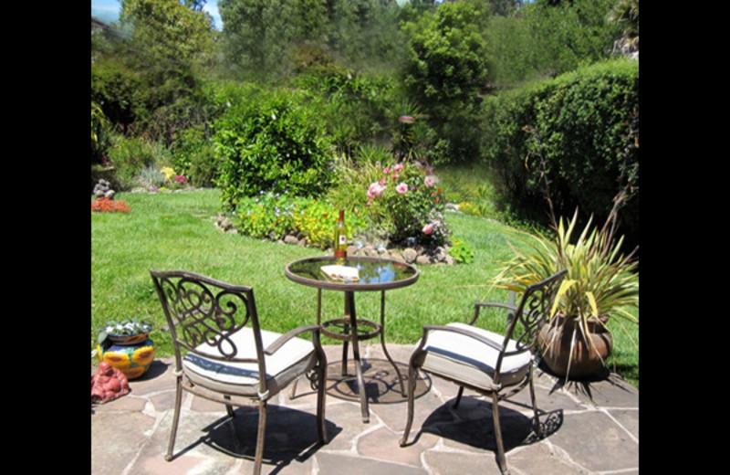 Garden patio at Tam Valley Bed & Breakfast.
