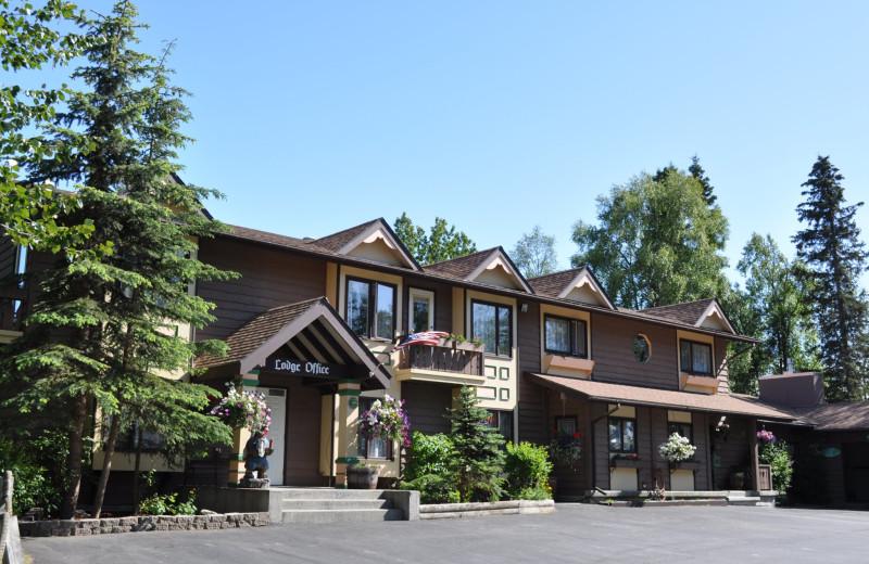 Exterior view of Soldotna B&B Lodge and Alaska Fishing Charters.