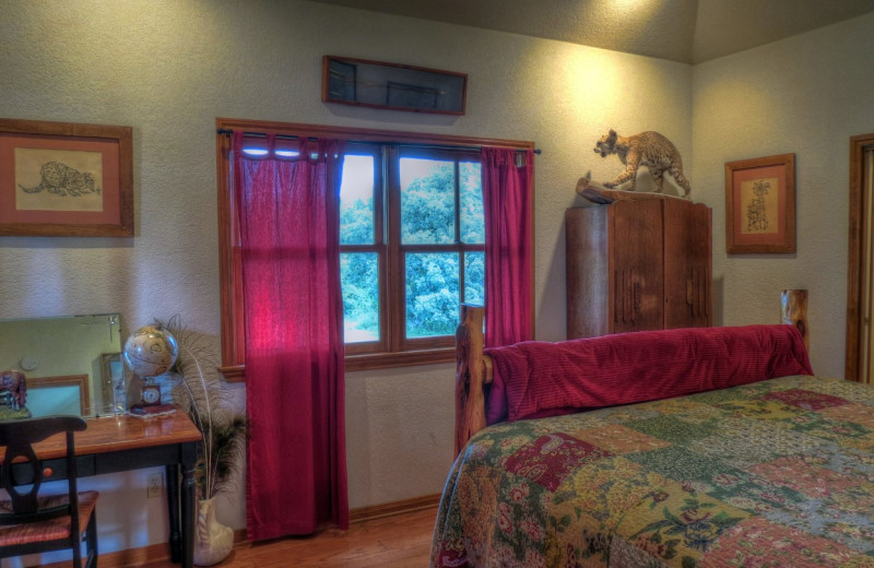 Cabin bedroom at Foxfire Cabins.