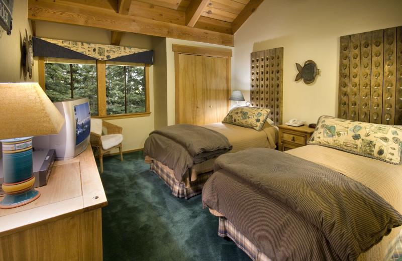 Queen double bedroom at Granlibakken Resort.