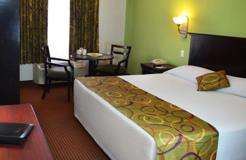 Guest room at Araiza Hermosillo.