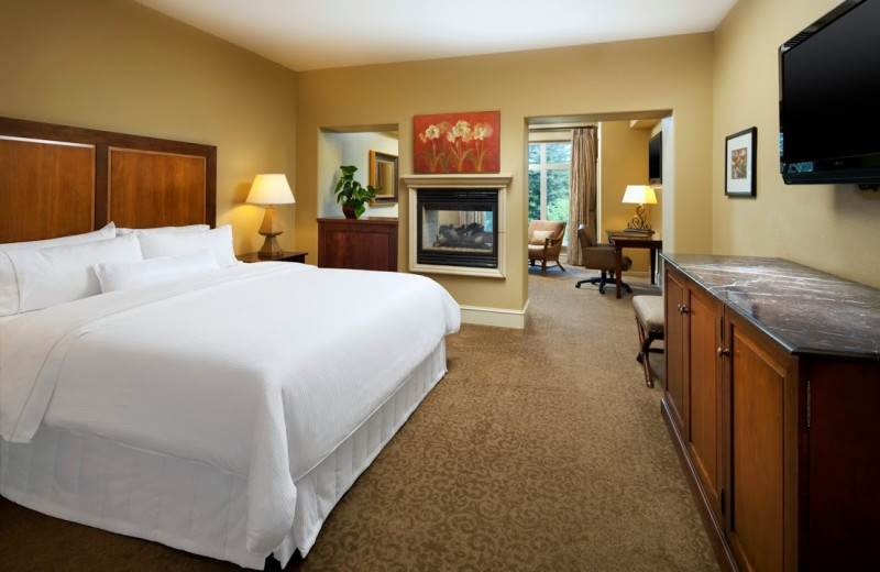 Guest room at The Westin Sacramento.