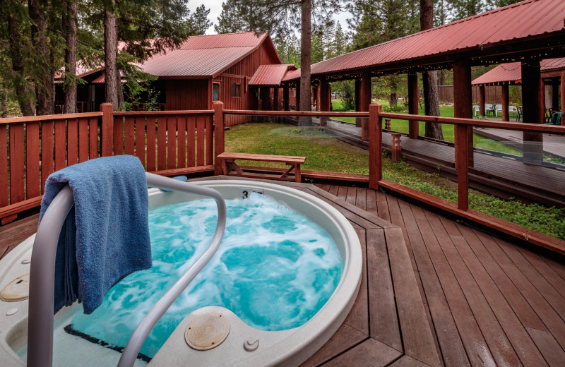 Hot tub at Mazama Country Inn.