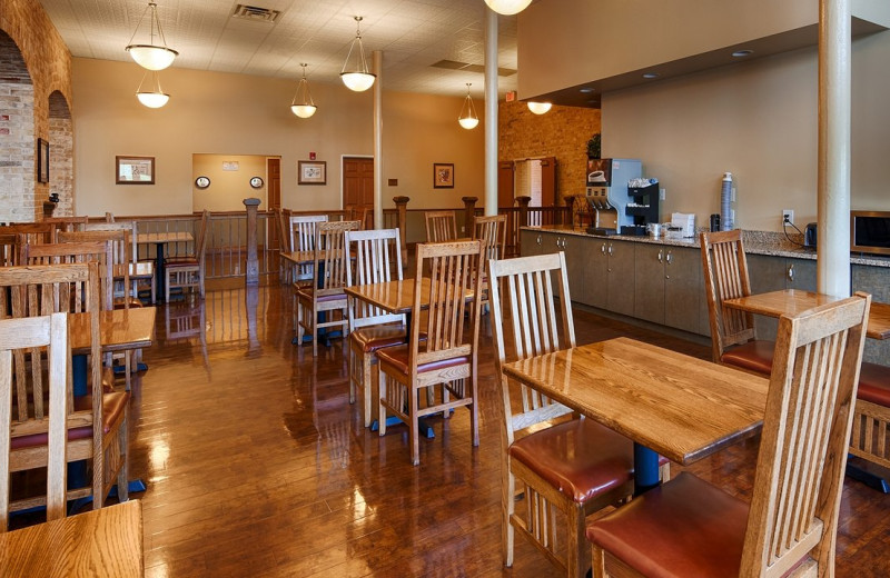 Dining at Best Western Plus Sunset Suites Riverwalk.