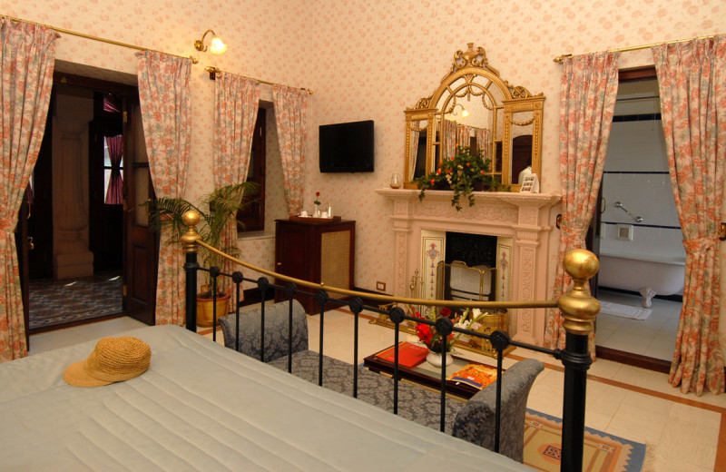 Guest room at Gajner Palace.
