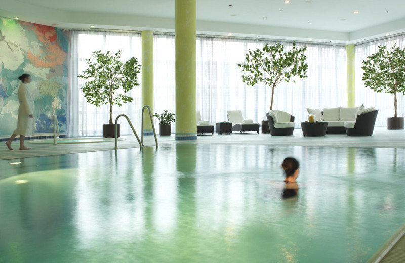 Indoor pool at Hilton Munich Airport.
