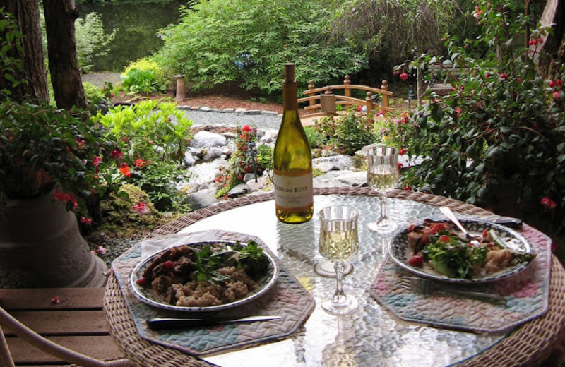 Patio dining at Pearson's Pond Luxury Inn and Adventure Spa.