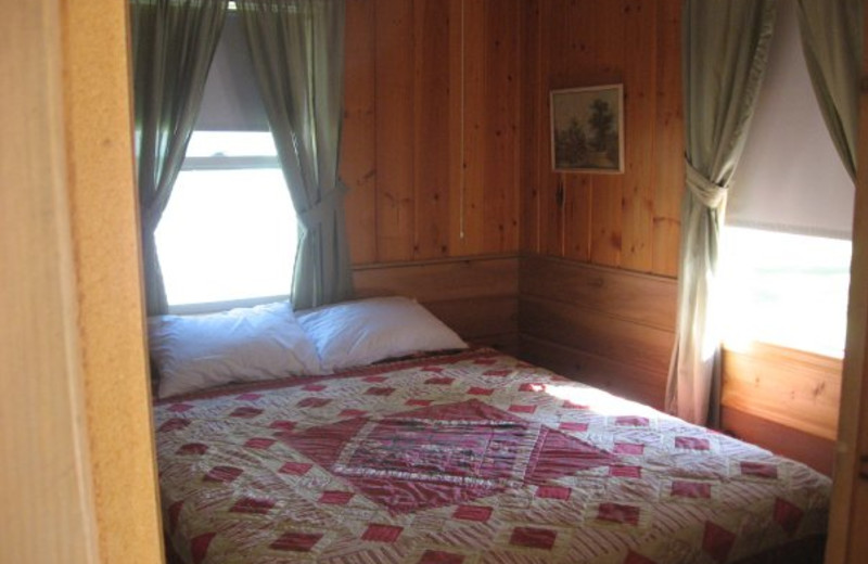 Cabin bedroom at Wil-O-Wood Resort.