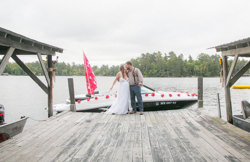 Weddings at Ludlow's Island Resort.