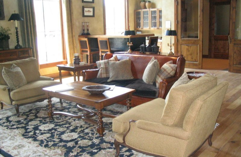 Vacation rental living room at Five Star Rentals of Montana.