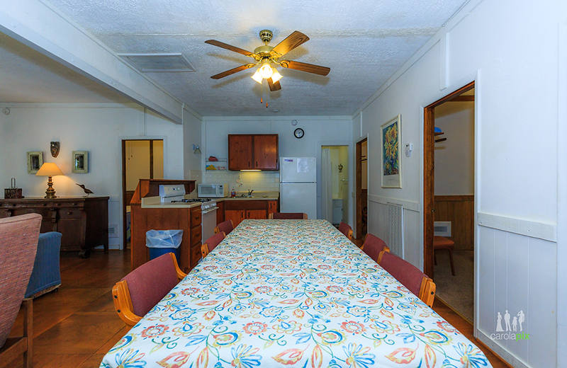 Cabin dining room at Kon Tiki Resort.