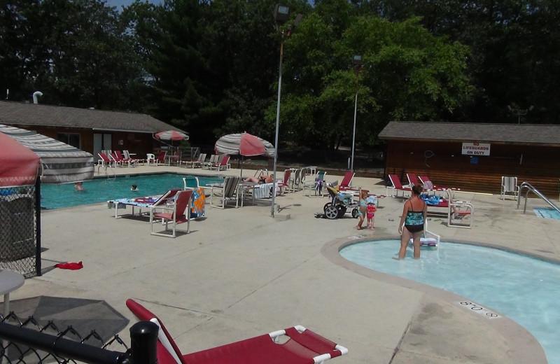 Outdoor pool at Yogi Bear's Jellystone Park Warrens.