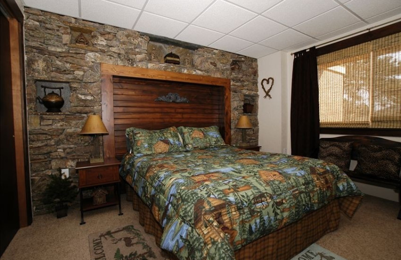 Guest bedroom at Deerview B&B and Lodging.