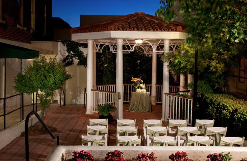 Outdoor wedding at Hassayampa Inn.