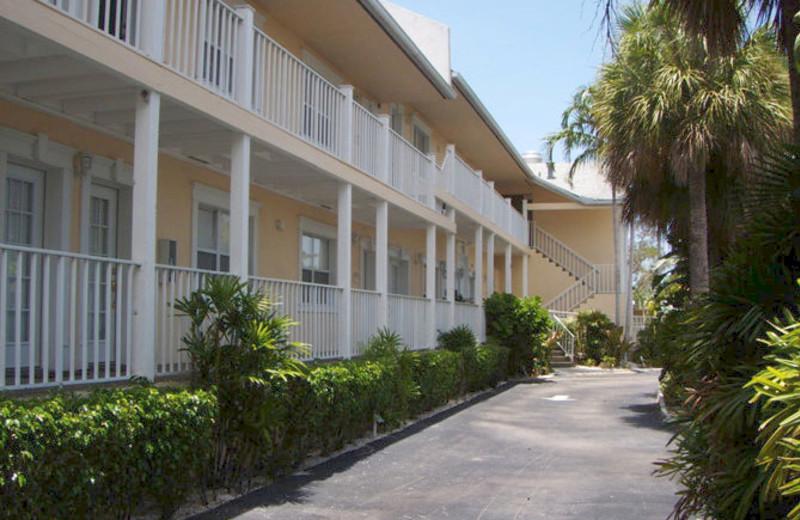 Exterior view of Lakeside Inn Marco Island.