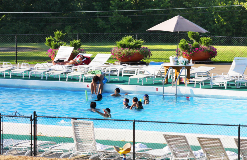 Outdoor pool at Honor's Haven Retreat & Conference.