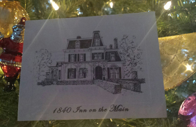 Holidays at 1840 Inn on the Main Bed and Breakfast.
