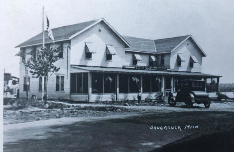 1905 photo of The Hotel Saugatuck.