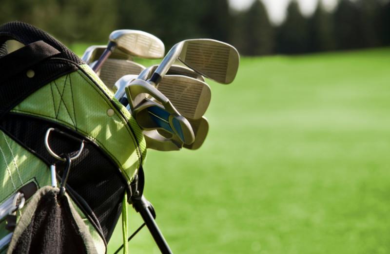 Golf courses near Liberte Management Group.