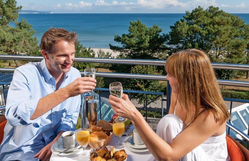 Patio dining at Dorint Strandhotel Binz/Rügen.