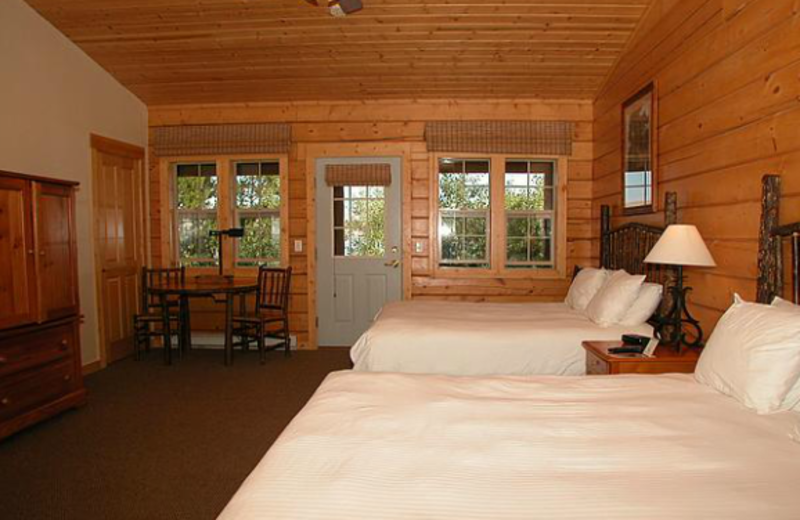 Two Queen Room at Lakeside Lodge