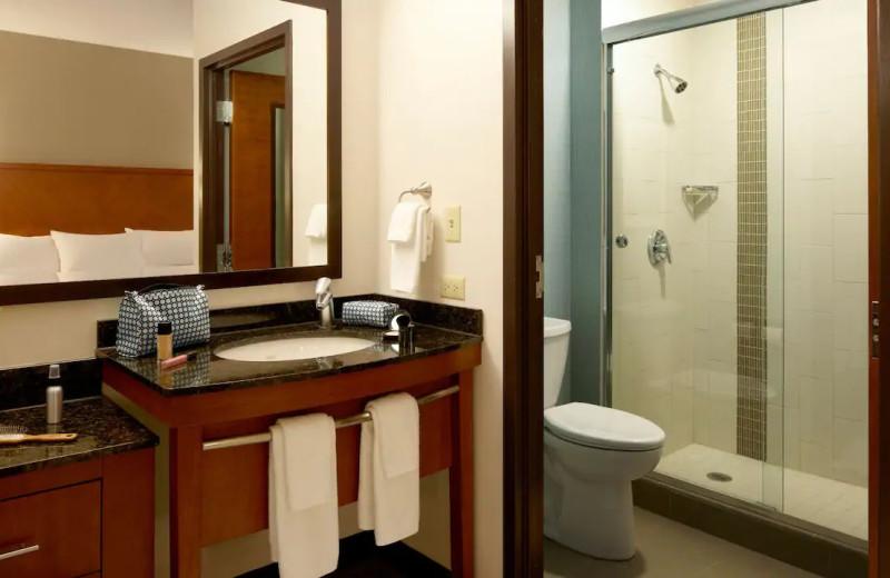Guest bathroom at Hyatt Place Chicago/Lombard/Oak Brook.
