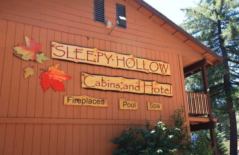 Exterior of Sleepy Hollow Cabins & Hotel