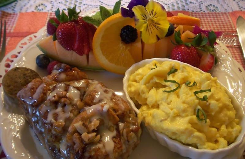 Breakfast at Dunbar House.