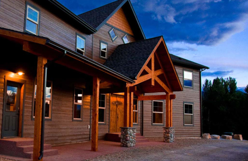 Exterior view of Missoula River Lodge.